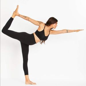 Beyond Yoga Supplex Love The Bump Capri Maternity Legging
